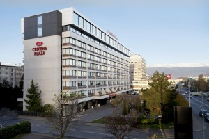 crowne-plaza-geneva-building-winter-h