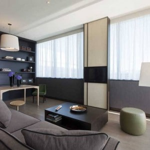 Crowne_Plaza_Geneva_King_Suite_2